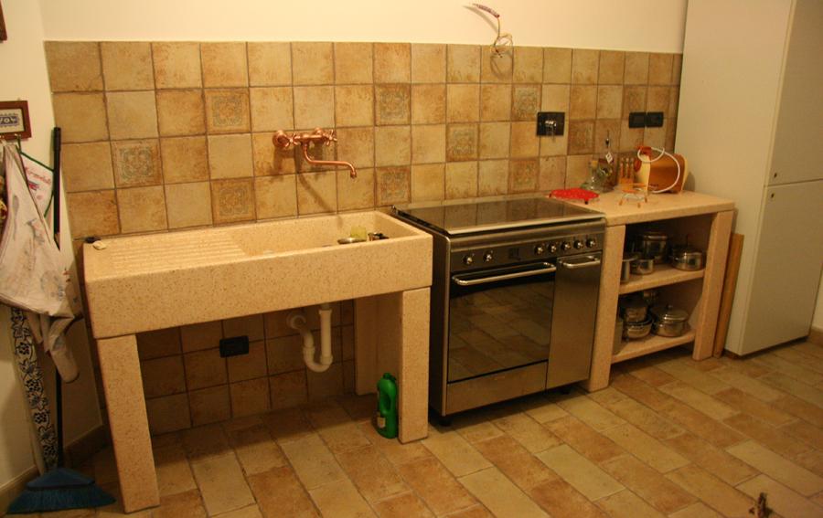 Lavandini a tutta vasca e con posapiatti da esterno in cemento cps manufatti in cemento - Lavandini da cucina ...